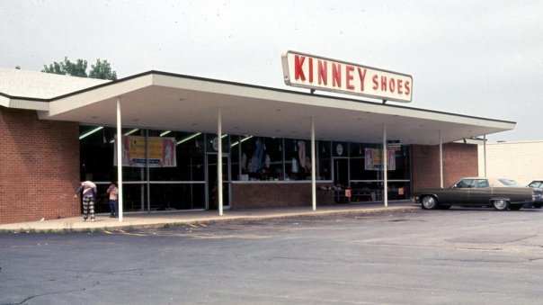 Kinney Shoes Kamp Washington. Mr Dognut to the right and Lord Fairfax to the left. 1976.jpg
